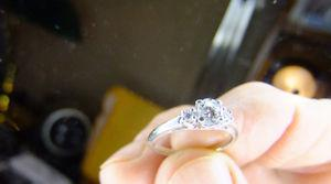 Birks Beautiful 18k Gold Diamond Engagement Ring Size 5.5