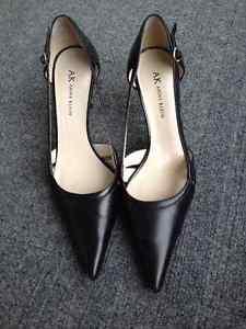 EUC Anne Klein Black Leather High Heels - Size 7