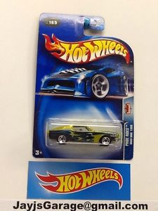 HOT WHEELS  MUSTANG WITH OPENING HOOD