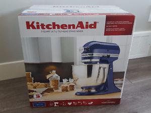 KitchenAid Artisan 5-Quart Stand Mixer *BRAND NEW *