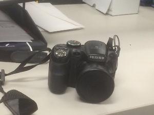 Selling Fujifilm camera, like new