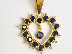 Signature 18K yellow gold natural sapphire heart pendant