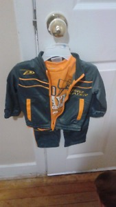 Three peice track suit size 12 months