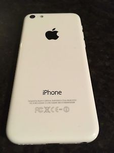 iPhone 5c in excellent condition no charger locked to Rogers