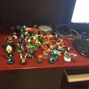 skylanders (32) original and giants for xbox 360 with portal
