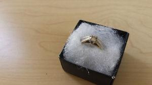 1/4 K gold diamond engagement ring