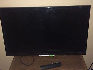 """32"""" tv for sale or trade"""