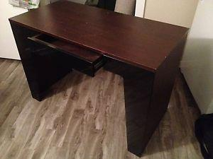 Computer desk with pull out drawer