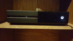 Xbox One 1TB console with 3 games, 1 controller.