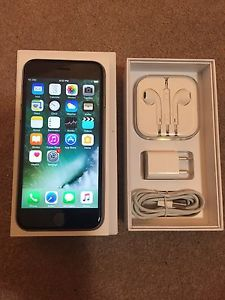 iPhone 6s 32gb (Carrier) Rogers like new with warranty