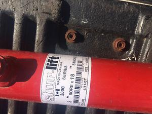 Hydraulic cylinder brand new