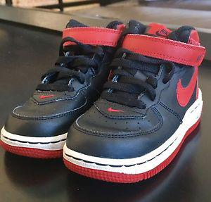 LIKE NEW TODDLER NIKE AIR FORCE 1S