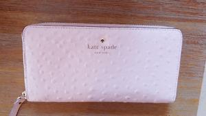 Almost New Cute Kate Spade Wallet