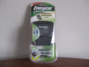 Energizer E2 Compact Charger & 4 Rechargeable Batteries AA