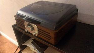 Jensen 3 speed stereo record player with built in speakers