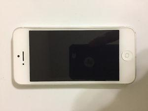 Mint condition IPhone 5 with 2 cases