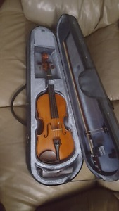 3/4 violin with hard case
