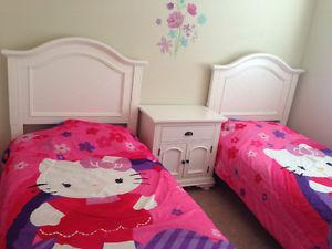 Amazing kids bedroom set for sale