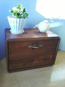 OLD HARDWOOD 'S VINTAGE BREAD BOX