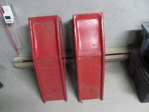 Set of car ramps
