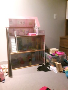 Wanted: Barbie house and trailer