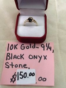 10k gold ring with black onyx stone