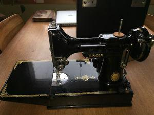 Antique Vintage Featherweight Sewing Machine