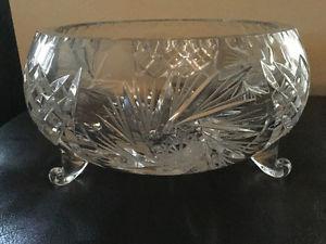 Crystal pinwheel serving dish