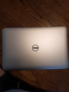 Dell XPS  Ultrabook Touch screen iu 8gb ddr3
