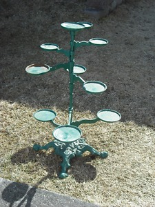 PLANT HOLDER - CAST IRON - LEE VALLEY