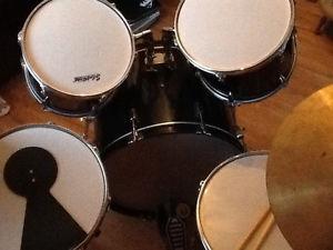 Full drum set