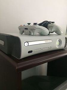 Wanted: Xbox 360 w/games & controllers