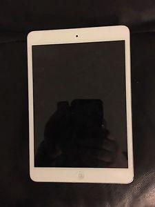 iPad mini 2 16gb silver $180 OBO