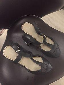 Brand New Size 10 Ladies Sandals