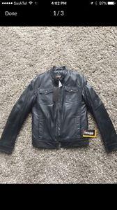 Brand new Danier leather jacket (small)