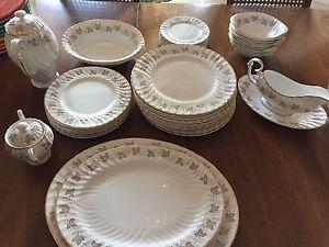 Queen Anne Fine Bone China in excellent condition