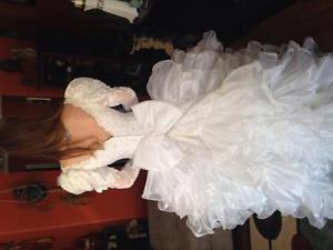 Size 8 ruffle wedding gown