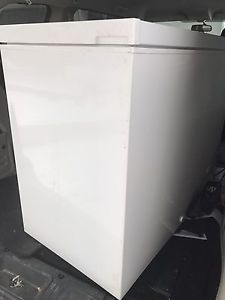 Wanted: Freezer and Lg heater and arconditinior