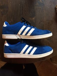 Wanted: Men's Adidas shoes Size 11