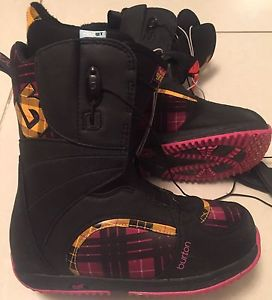 Wanted: Womens Sz.8 Burton Bootique Snowboard Boots in