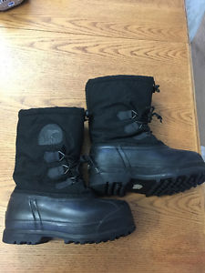 Arctic Glacier Sorel Boots - Boys size 4