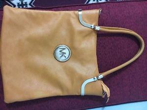 BRAND NEW MK BAG FOR SALE