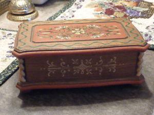 "Beautiful Vintage ""Reuge"" Swiss Music Box"