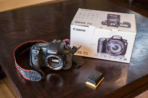 Canon 7d body with extras