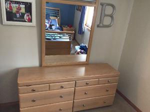 EQ3 Palliser Bedroom Set Queen 4 pieces
