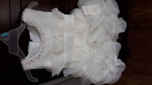 Flower girl dress size 2-3 years, never worn