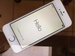 iPhone 5s - Telus Locked - Mint Condition