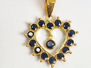 18K yellow gold natural sapphire heart pendant, 1.08 carats