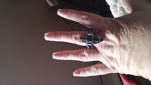 Beautiful Black Crystal Ring