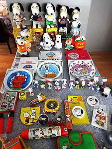 CHARLIE BROWN SNOOPY PEANUTS COLLECTABLES